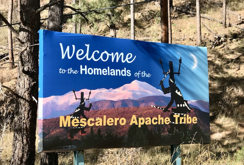 Willkommens-Schild Mescalero Apache Tribe